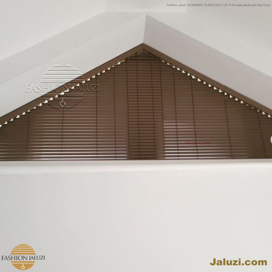 Z eğimli üçgen açılı jaluzi perde çatı yamuk brisoley dış cephe perdesi