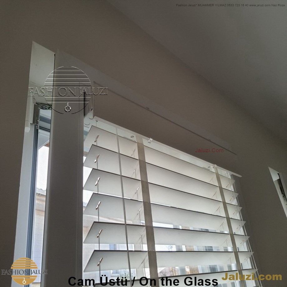 cam üstü jaluzi perde pencere pimapen üstünde üzerine sabitli ipli zıgıl zıgıllı zigil ipli zincirli düğmeli motorlu 25mm 50mm ahşap metal alüminyum jaluzi pvc pencere (26)