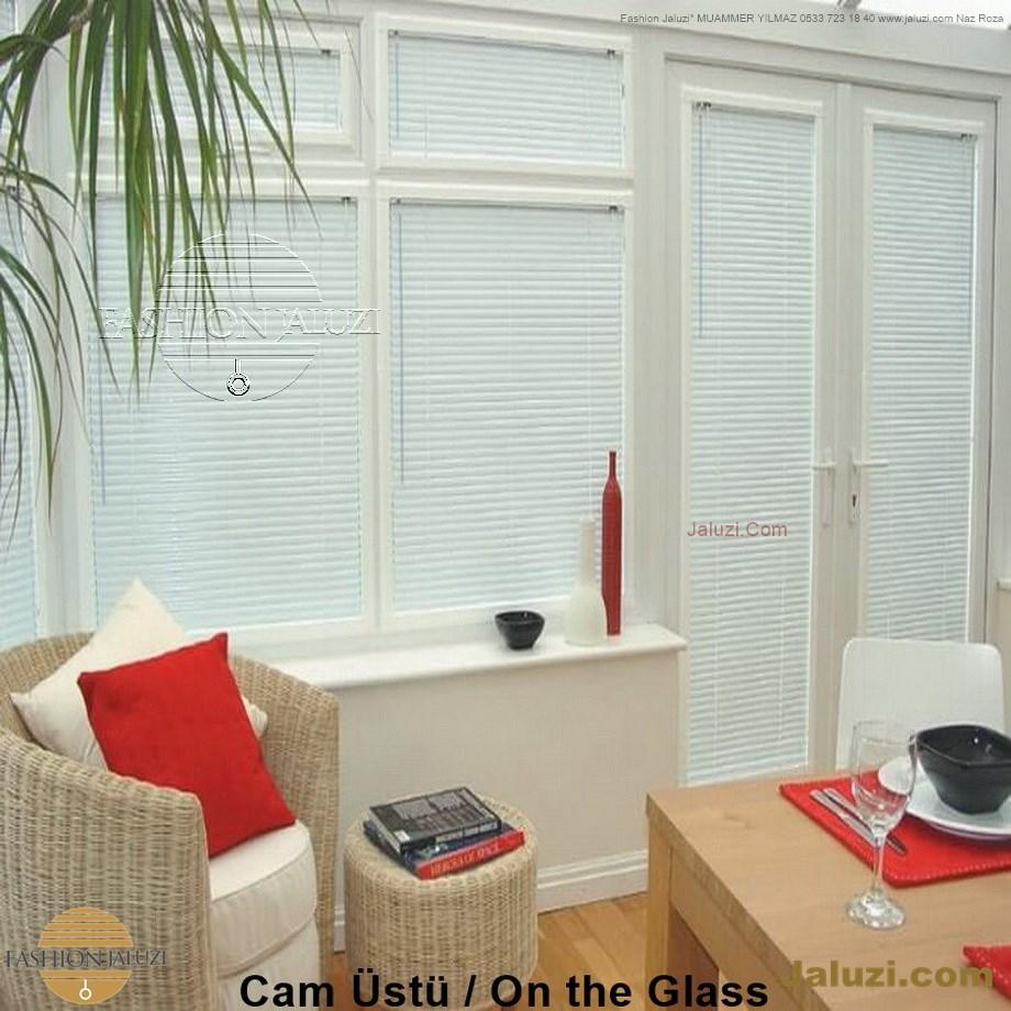 cam üstü jaluzi perde pencere pimapen üstünde üzerine sabitli ipli zıgıl zıgıllı zigil ipli zincirli düğmeli motorlu 25mm 50mm ahşap metal alüminyum jaluzi pvc pencere (27)