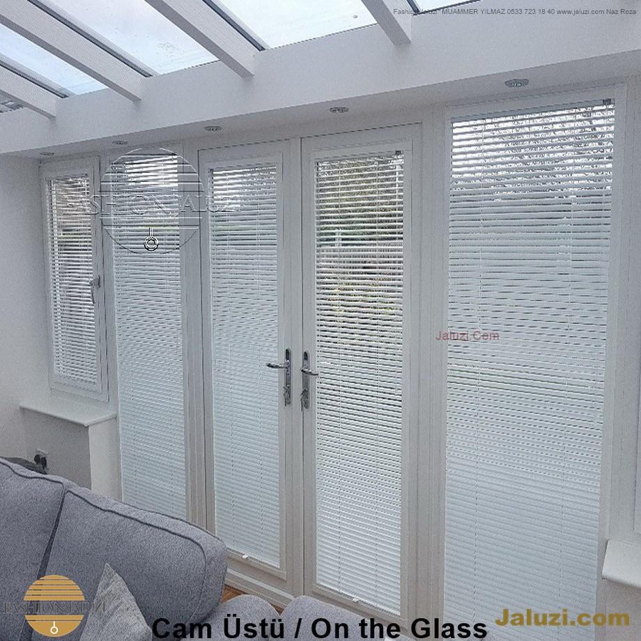 cam üstü jaluzi perde pencere pimapen üstünde üzerine sabitli ipli zıgıl zıgıllı zigil ipli zincirli düğmeli motorlu 25mm 50mm ahşap metal alüminyum jaluzi pvc pencere (29)