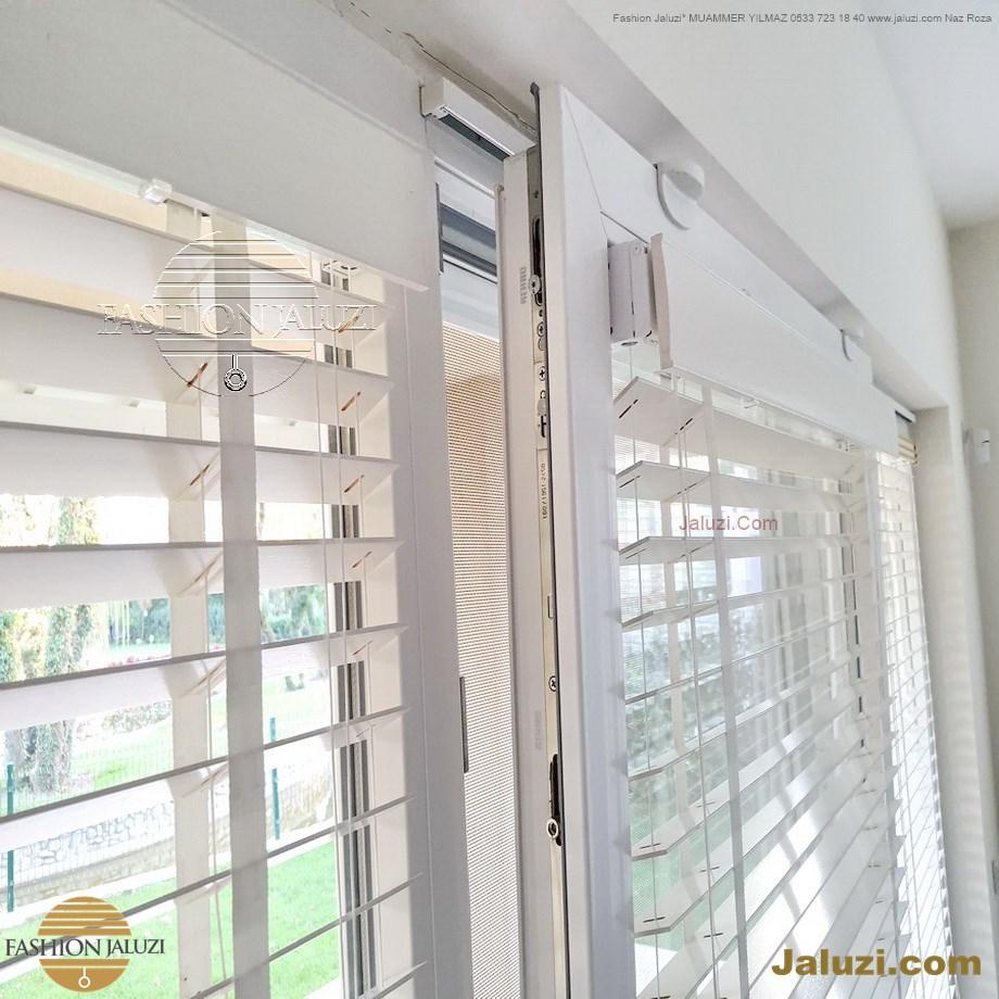 cam üstü jaluzi perde pencere pimapen üstünde üzerine sabitli ipli zıgıl zıgıllı zigil ipli zincirli düğmeli motorlu 25mm 50mm ahşap metal alüminyum jaluzi pvc pencere (41)
