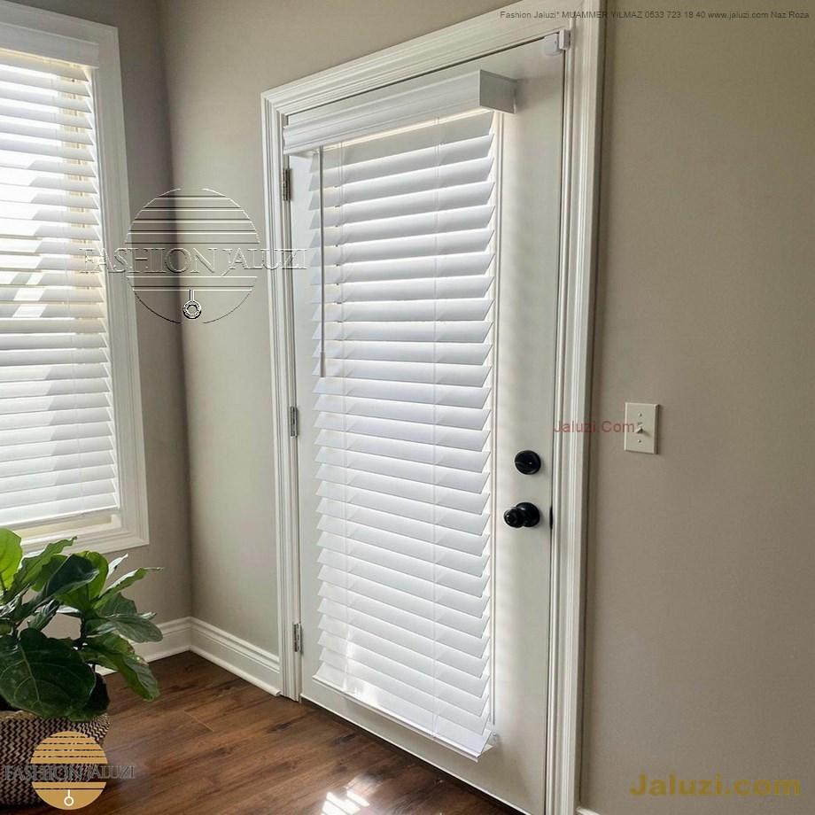 cam üstü jaluzi perde pencere pimapen üstünde üzerine sabitli ipli zıgıl zıgıllı zigil ipli zincirli düğmeli motorlu 25mm 50mm ahşap metal alüminyum jaluzi pvc pencere (42)