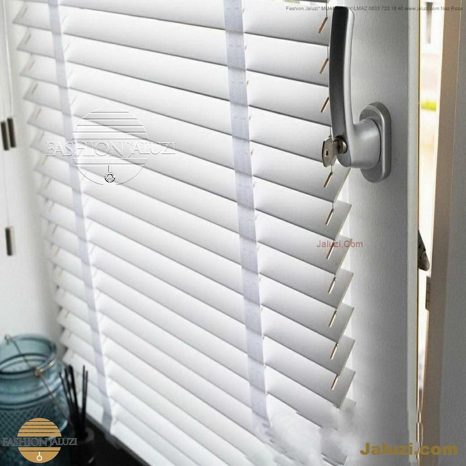 cam üstü jaluzi perde pencere pimapen üstünde üzerine sabitli ipli zıgıl zıgıllı zigil ipli zincirli düğmeli motorlu 25mm 50mm ahşap metal alüminyum jaluzi pvc pencere (45)