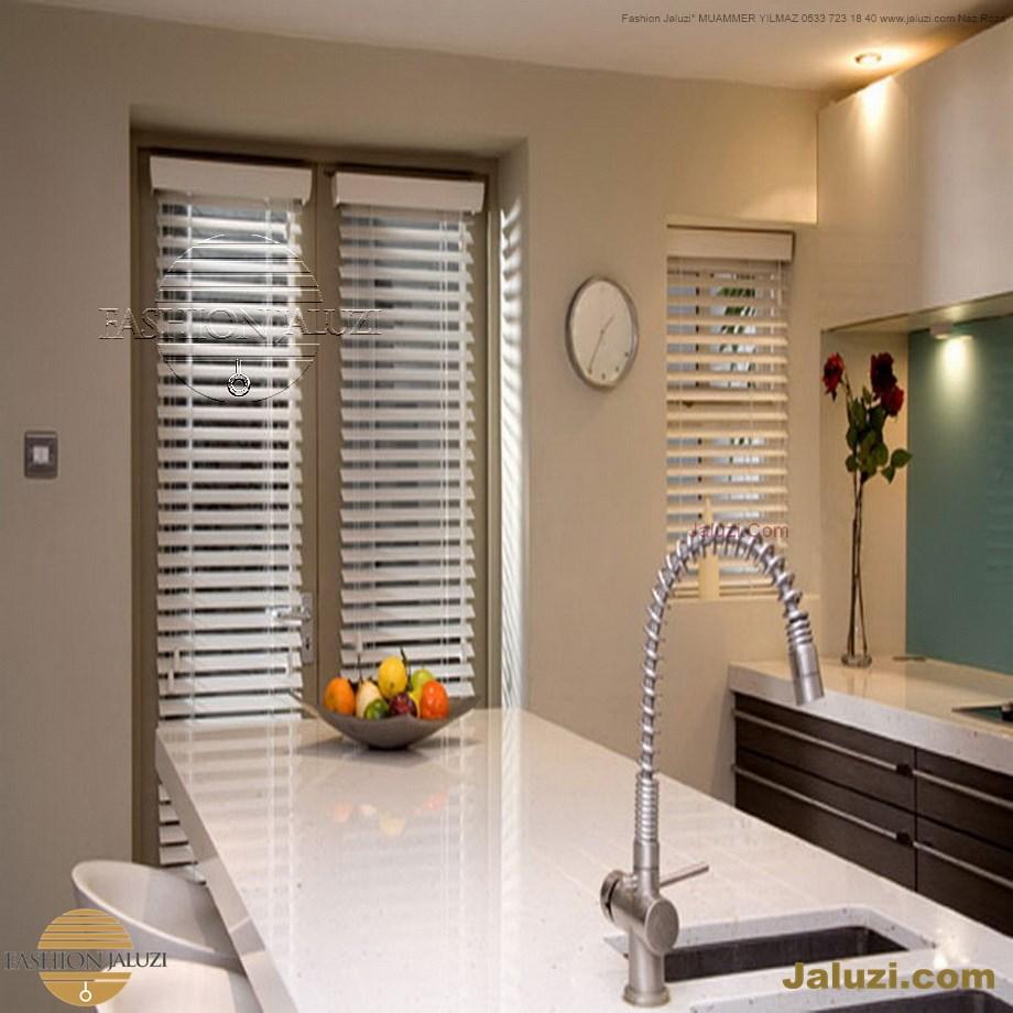 cam üstü jaluzi perde pencere pimapen üstünde üzerine sabitli ipli zıgıl zıgıllı zigil ipli zincirli düğmeli motorlu 25mm 50mm ahşap metal alüminyum jaluzi pvc pencere (54)
