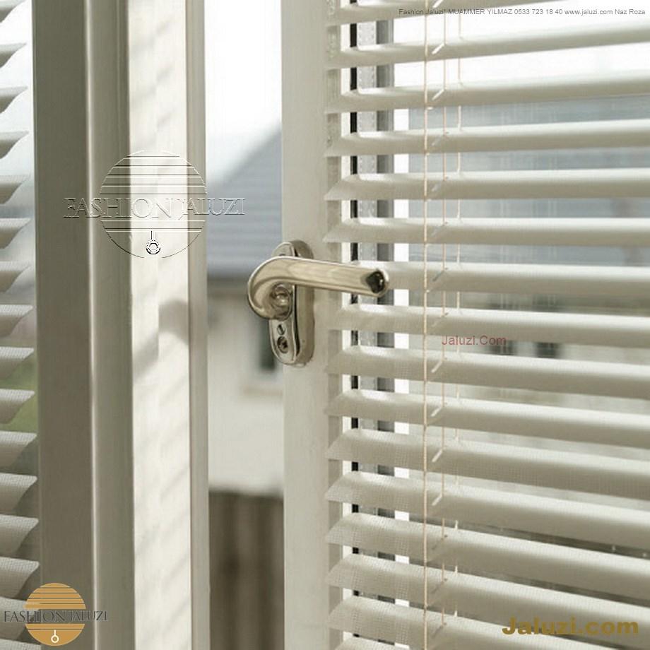 cam üstü jaluzi perde pencere pimapen üstünde üzerine sabitli ipli zıgıl zıgıllı zigil ipli zincirli düğmeli motorlu 25mm 50mm ahşap metal alüminyum jaluzi pvc pencere (56)