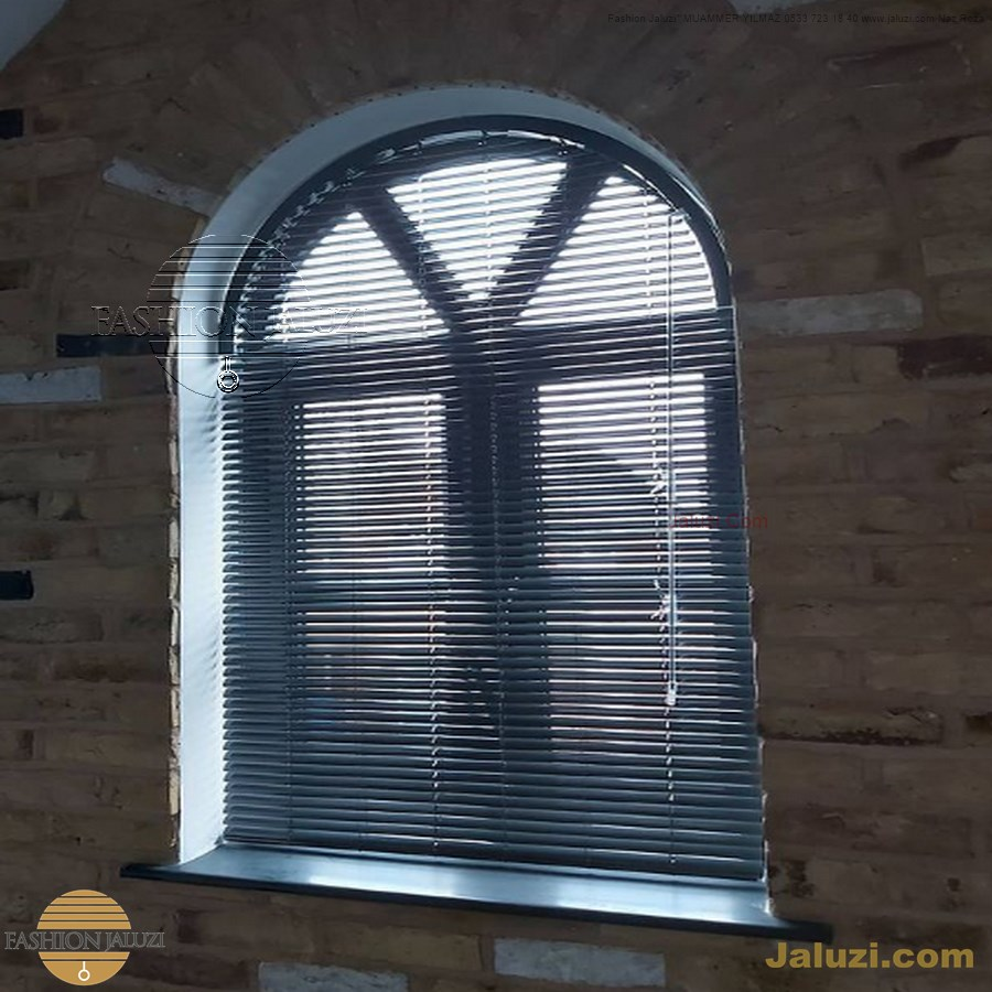 jaluzi perde eğimli meyilli üçgen yamuk şekilsiz alttan eğik formsuz üstten açılı açı shaped venetian blinds ahşap jaluzi perde (13)