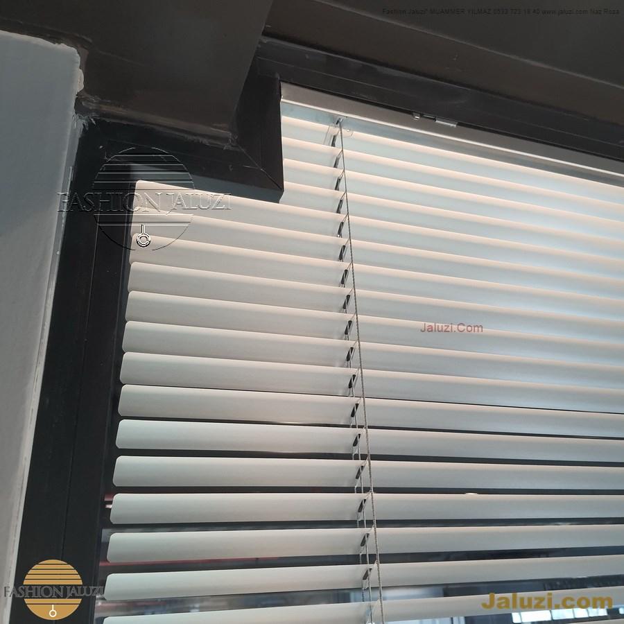 jaluzi perde eğimli meyilli üçgen yamuk şekilsiz alttan eğik formsuz üstten açılı açı shaped venetian blinds ahşap jaluzi perde (58)