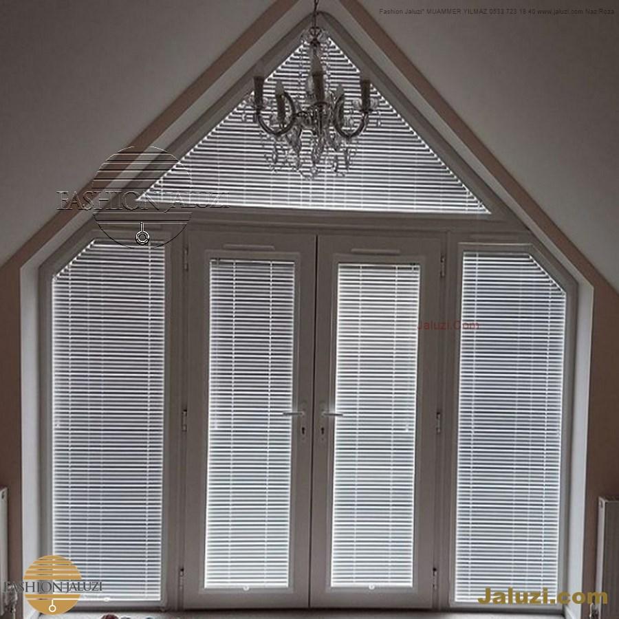 jaluzi perde eğimli meyilli üçgen yamuk şekilsiz alttan eğik formsuz üstten açılı açı shaped venetian blinds ahşap jaluzi perde (7)