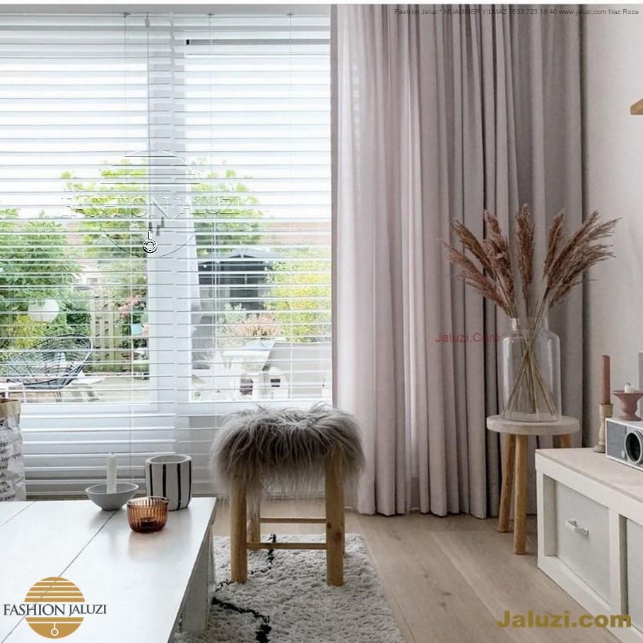 jaluzi ve fon perde kumaş perde ahşap jaluziler ve kanat fon drape eprdeler wood venetain blinds with drapery swag valance (9)
